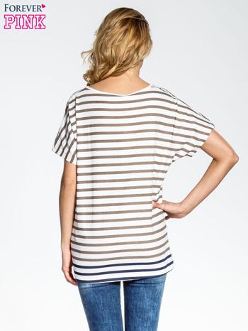 Biało-beżowy t-shirt w paski z napisem À BIENTÔT PARIS                                  zdj.                                  3