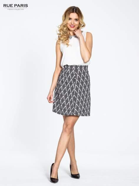 Biało-czarna trapezowa spódnica w geometryczne wzory w stylu op-art                                  zdj.                                  6