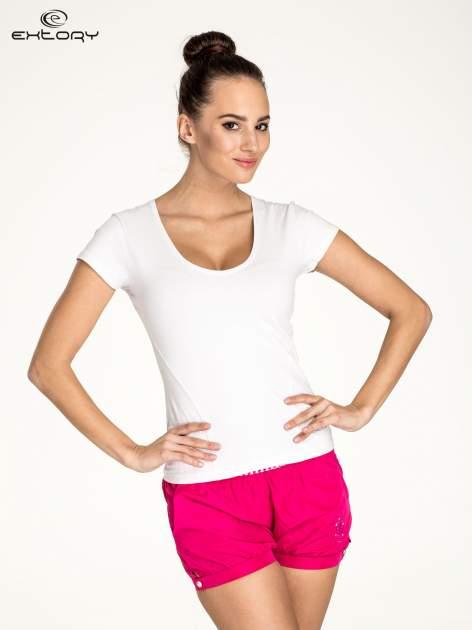 Biały damski t-shirt sportowy z dekoltem U                                  zdj.                                  1