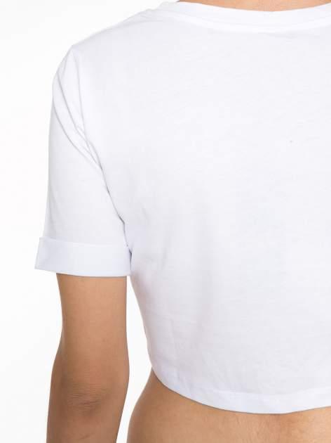 Biały krótki t-shirt przed pępek z napisem BALLIN PARIS                                  zdj.                                  9