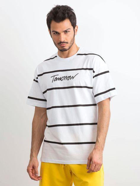 Biały męski t-shirt w paski                              zdj.                              1