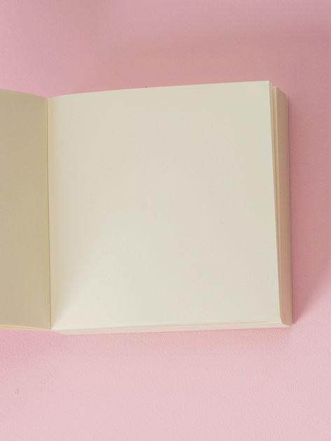 Biały notes z kwiatowym nadrukiem                              zdj.                              4