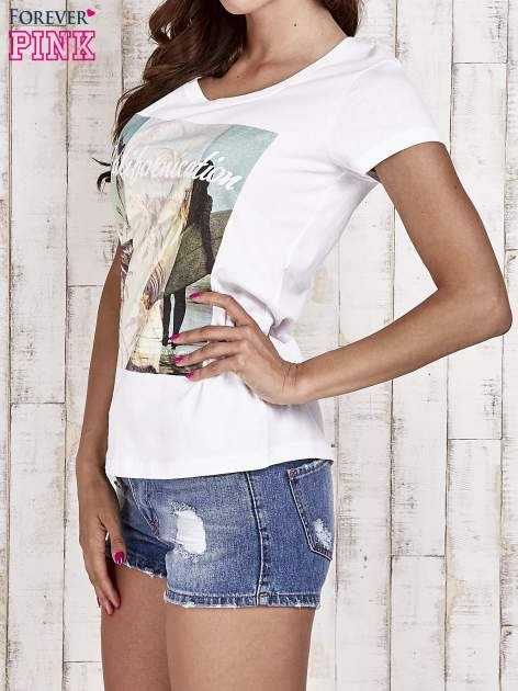 Biały t-shirt damski z napisem CALIFORNICATION                                  zdj.                                  3