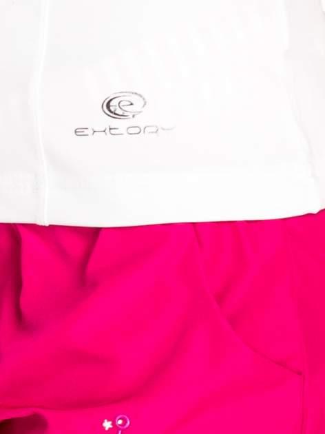 Biały t-shirt sportowy z dekoltem U                                  zdj.                                  5