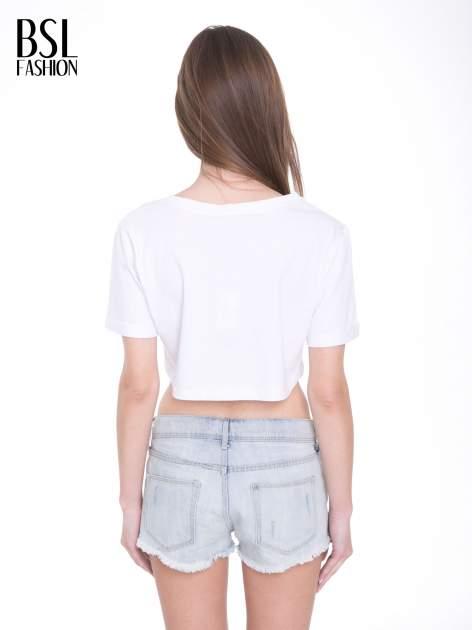 Biały t-shirt typu crop top z nadrukiem UNITED STATES                                  zdj.                                  4