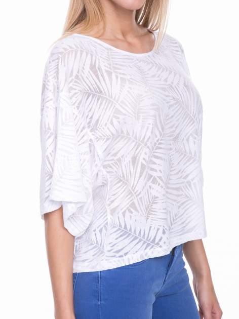 Biały t-shirt w transparentny nadruk palm o kimonowym kroju                                  zdj.                                  5