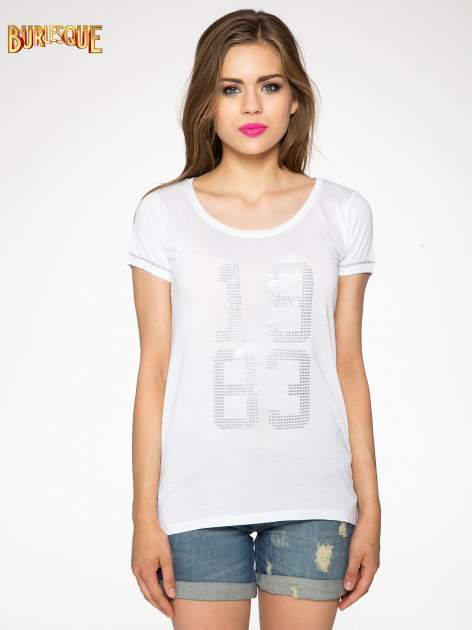 Biały t-shirt z błyszczącym numerem 1983                                  zdj.                                  11