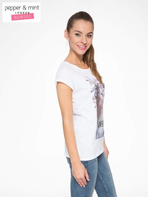 Biały t-shirt z fotografią drogi i napisem ADVENTURE                                  zdj.                                  3