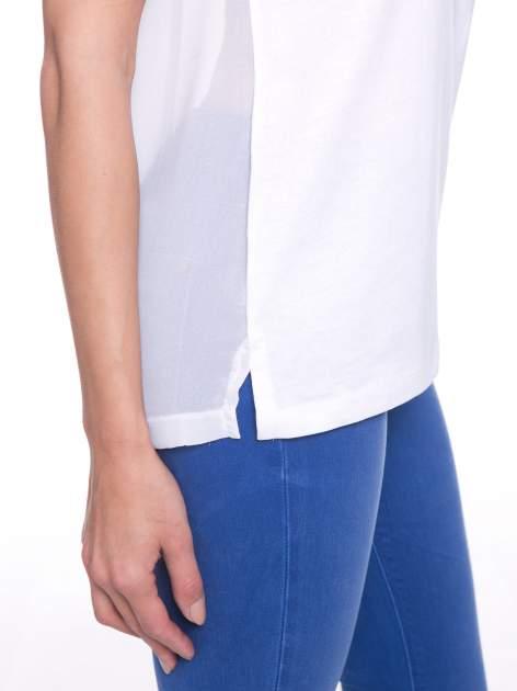 Biały t-shirt z koronkowymi rękawami i szyfonowym tyłem                                  zdj.                                  6