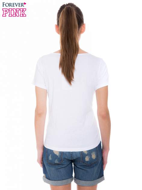 Biały t-shirt z metalicznym nadrukiem w cętki pantery                                  zdj.                                  3