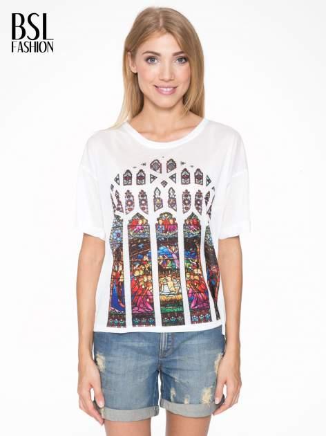 Biały t-shirt z motywem religijnym                                  zdj.                                  1