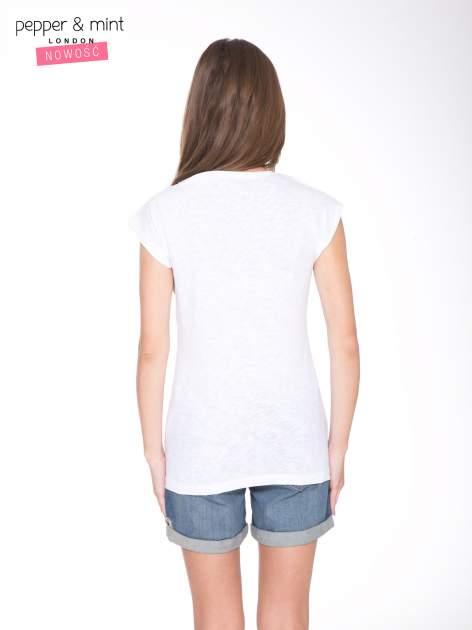 Biały t-shirt z nadrukiem NOPE                                  zdj.                                  4