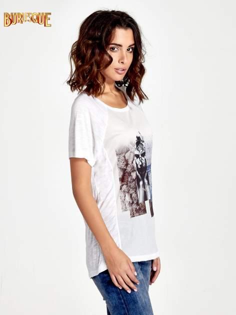 Biały t-shirt z nadrukiem TAKE ME TO THE OCEAN z dżetami                                  zdj.                                  3
