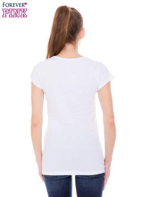 Biały  t-shirt z nadrukiem kotki w nerdach                                  zdj.                                  3