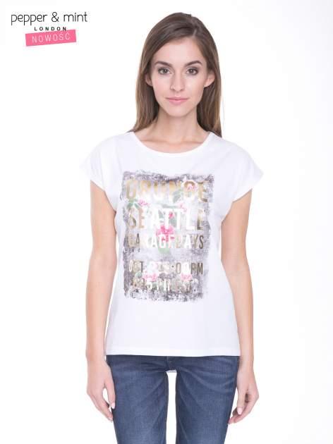 Biały t-shirt z nadrukiem kwiatowym i złotym napisem GRUNGE
