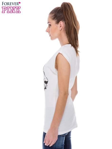 Biały t-shirt z nadrukiem leoparda                                  zdj.                                  2