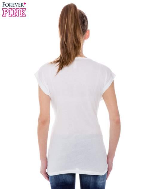 Biały t-shirt z nadrukiem leoparda                                  zdj.                                  3