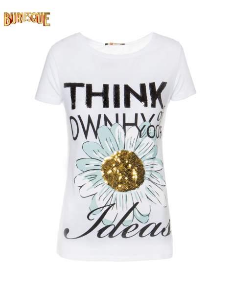 Biały t-shirt z nadrukiem stokrotki z dżetami