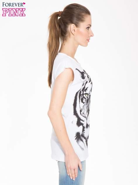 Biały t-shirt z nadrukiem tygrysa                                  zdj.                                  2