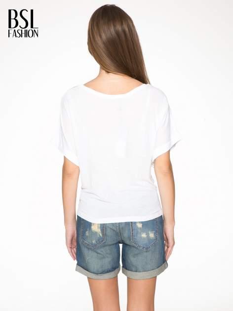 Biały t-shirt z nadrukiem ust i napisem TRUE LOVE                                  zdj.                                  4