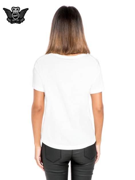 Biały t-shirt z napisem FRIENDS DON'T LET FRIENDS TWERK                                  zdj.                                  4