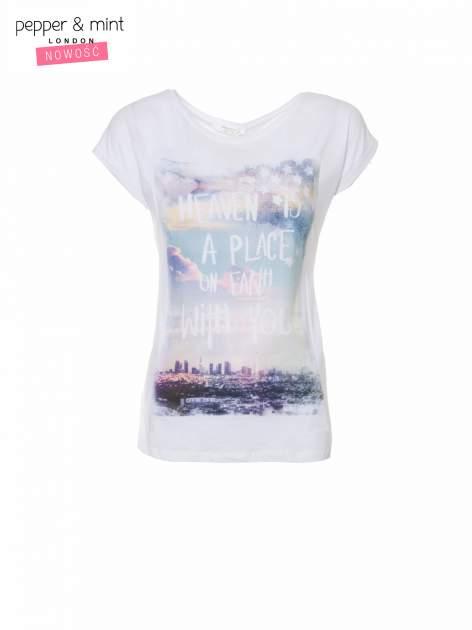 Biały t-shirt z napisem HEAVEN IS A PLACE ON EARTH WITH YOU                                  zdj.                                  2