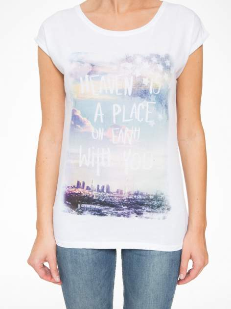 Biały t-shirt z napisem HEAVEN IS A PLACE ON EARTH WITH YOU                                  zdj.                                  8