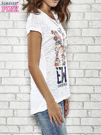 Biały t-shirt z napisem NEW YORK THE EXCLUSIVE CITY                                  zdj.                                  3