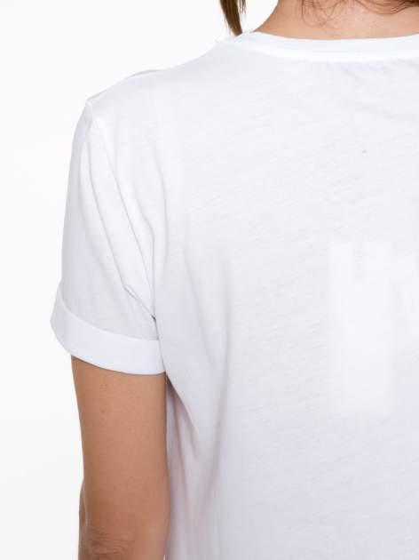 Biały t-shirt z napisem Nº4 COCO                                  zdj.                                  9