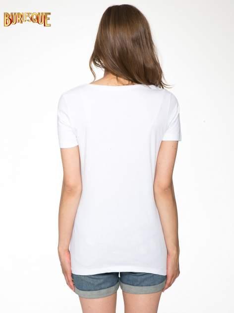 Biały t-shirt z napisem THE FREAK IS CHIC                                  zdj.                                  4