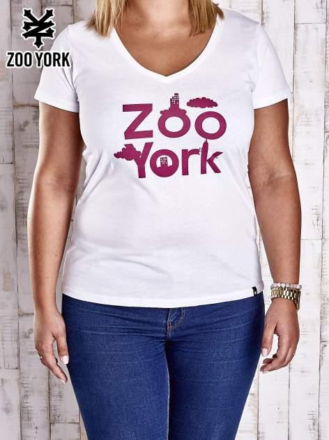 Biały t-shirt z napisem ZOO YORK PLUS SIZE