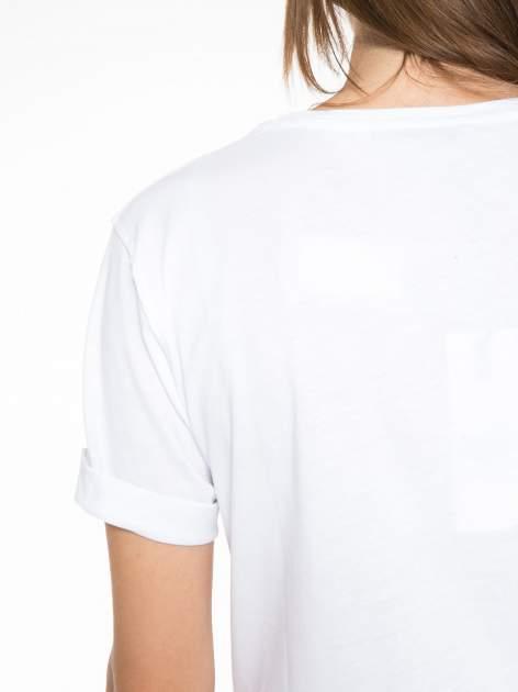 Biały t-shirt ze złotym nadrukiem NO. 4 COCO                                  zdj.                                  10