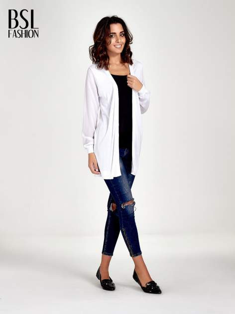 Biały wiązany sweter z przezroczystymi rękawami                                  zdj.                                  2