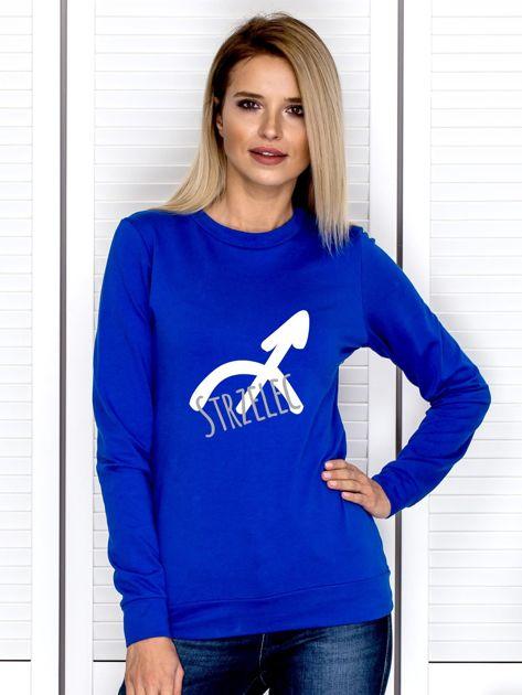 Bluza damska z motywem znaku zodiaku STRZELEC kobaltowa                              zdj.                              1