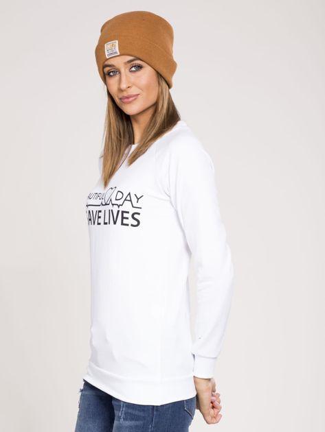 Bluza dresowa biała z nadrukiem                              zdj.                              3