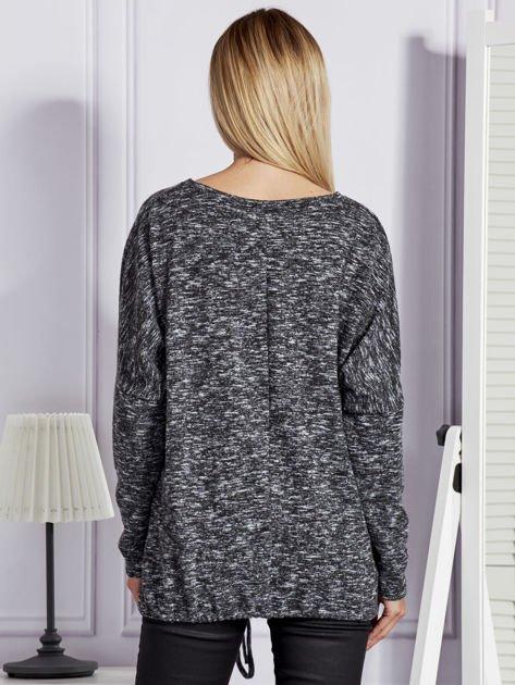 Bluzka damska melanżowa z troczkami na dole czarna                              zdj.                              2