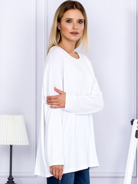 Bluzka damska oversize biała                              zdj.                              3