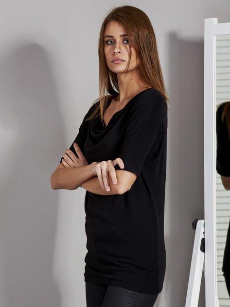 Bluzka damska z lejącym dekoltem czarna                              zdj.                              3
