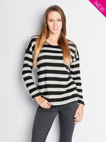 Bluzka w czarno-szare paski z obniżaną linią ramion                                  zdj.                                  1