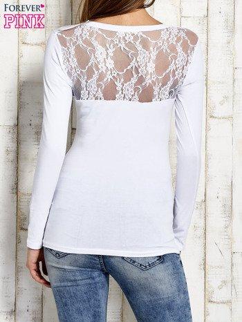 Bluzka z koronką na plecach biała