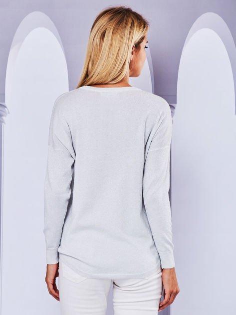 Błyszczący sweter z dekoltem lace up i chwostami szary                                  zdj.                                  2