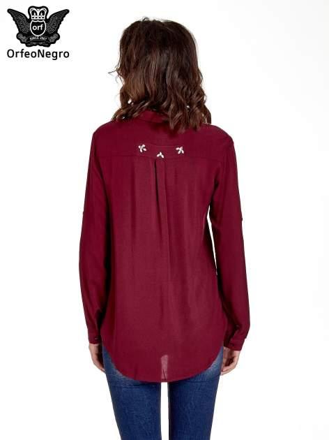 Bordowa koszula z biżuteryjną kieszonką                                  zdj.                                  4