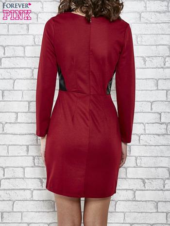 Bordowa sukienka ze skórzanymi wstawkami                                  zdj.                                  2