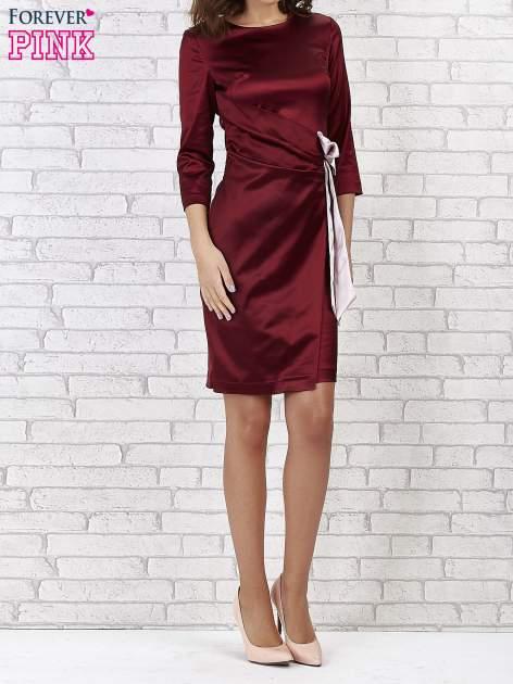 Bordowa sukienka ze srebrną kokardą                                   zdj.                                  1