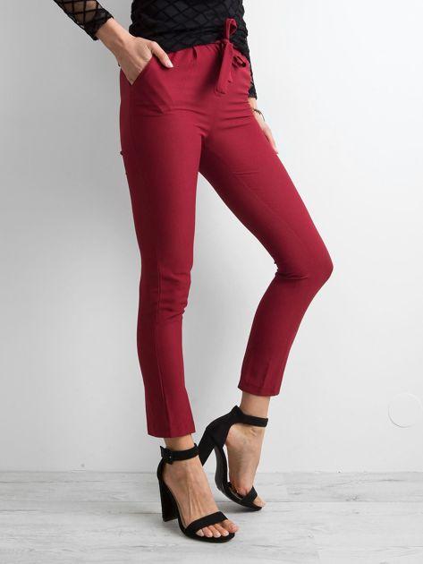 Bordowe spodnie z wiązaniem                              zdj.                              3