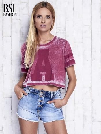 Bordowy t-shirt acid wash z literą A                                  zdj.                                  3