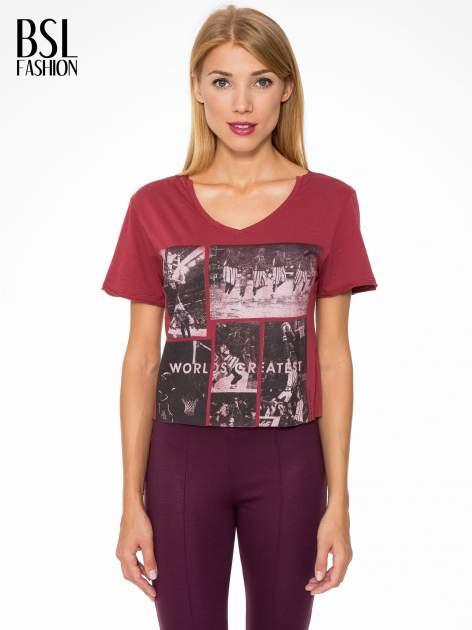 Bordowy t-shirt cropped z nadrukiem basketball                                  zdj.                                  1