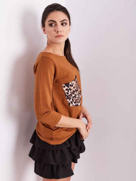 Brązowa bluzka z motywem zwierzęcym                              zdj.                              4