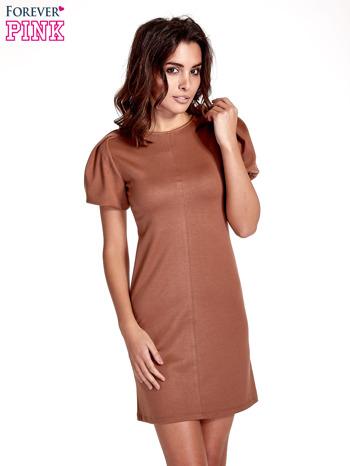Brązowa gładka sukienka z bufiastymi rękawami