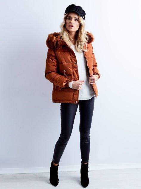 Brązowa kurtka zimowa pikowana                              zdj.                              1